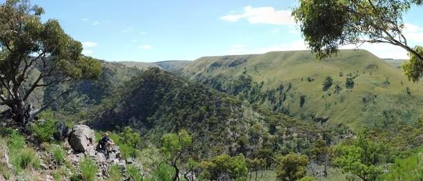 Melbourne Day-Walk: Werribee Gorge Circuit – Werribee Gorge State Park – Bacchus Marsh – Victoria