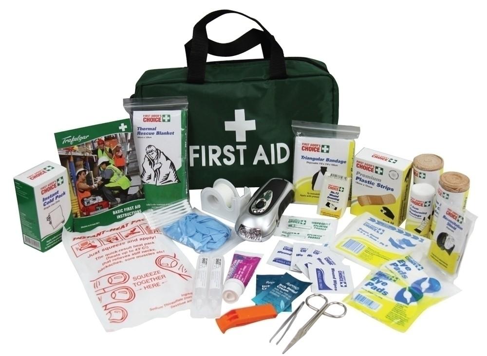 Trafalgar Survival First Aid Green Bag
