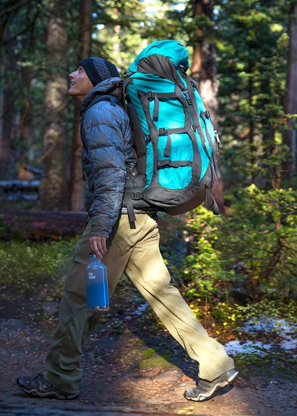 kk_32oz_insulated_classic_Boulder-1021_lifestyle