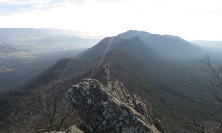 Sugarloaf Peak – Cathedral Range State Park – Victoria (Bare Bones Bushwalking)