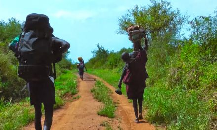 Video: Walking with the Mursi – A long distance hike across Ethopia