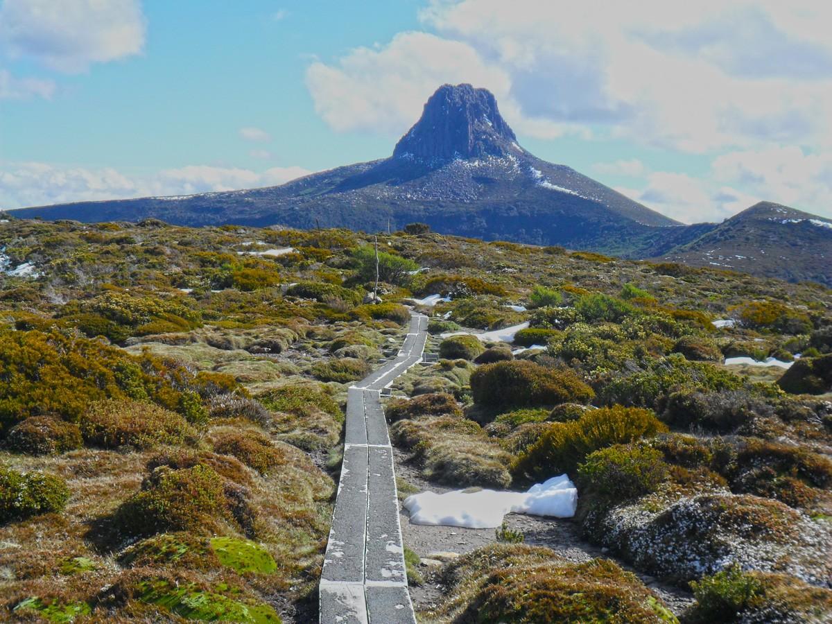 Barn Bluff – Cradle Mountain Lake St Clair National Park – Tasmania