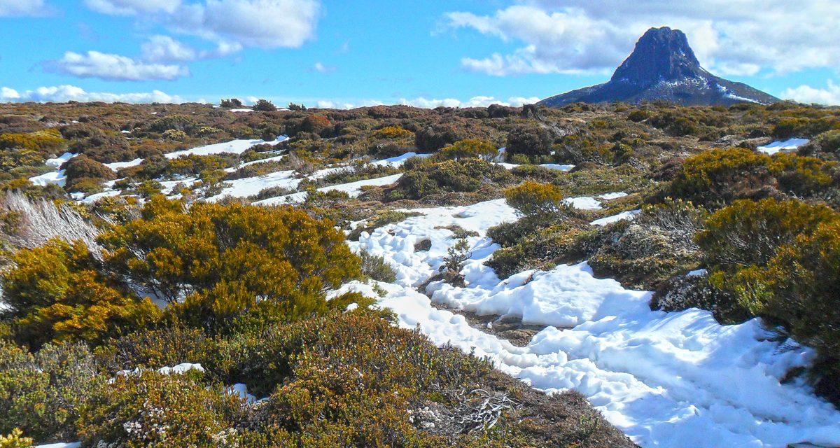 Barn Bluff – Cradle Mountain Lake St Clair National Park – Tasmania (Bare Bones Bushwalking)