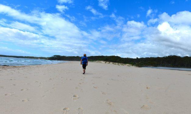 Nerindillah Lagoon & Monument Beach – Conjola National Park – New South Wales (Bare Bones Bushwalking)