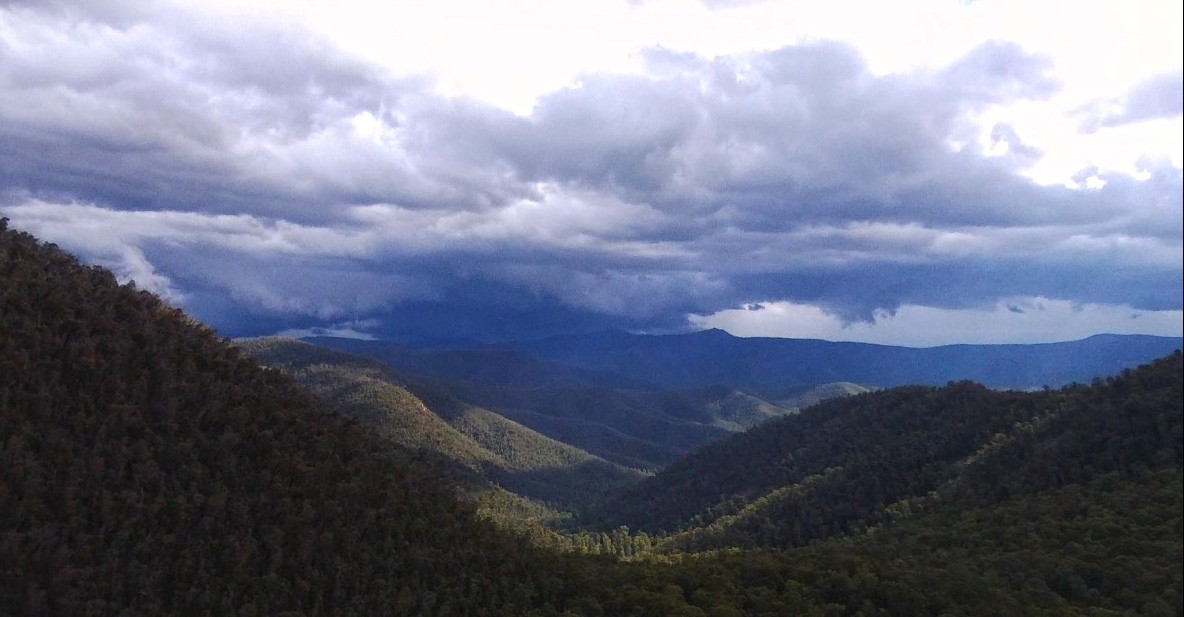 Lake Tali Karng - Alpine National Park - Victoria