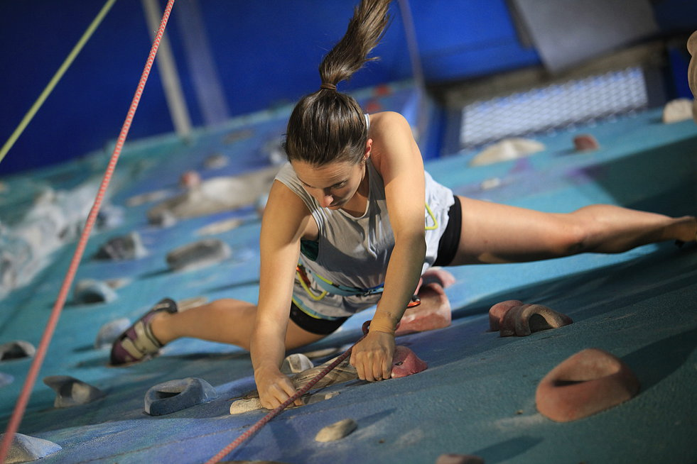 Cliffhanger indoor rock climbing gym - Melbourne