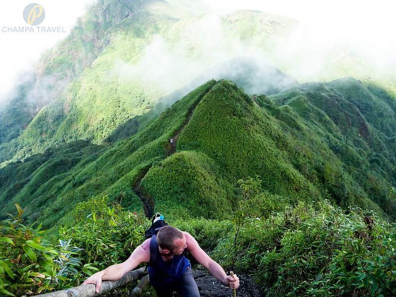 Trekking Mount Fansipan - Vietnam