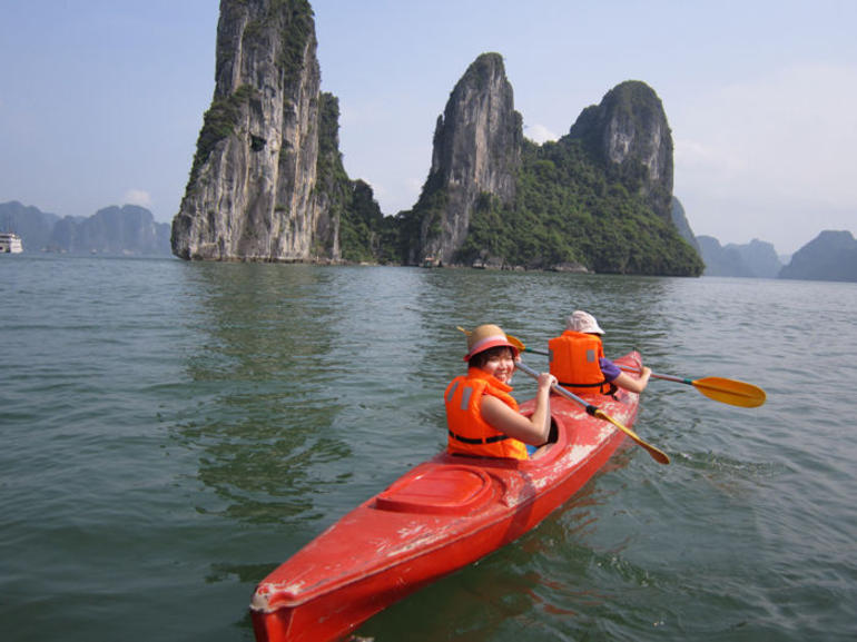 Kayak the sea caves of the famous Halong Bay - Vietnam