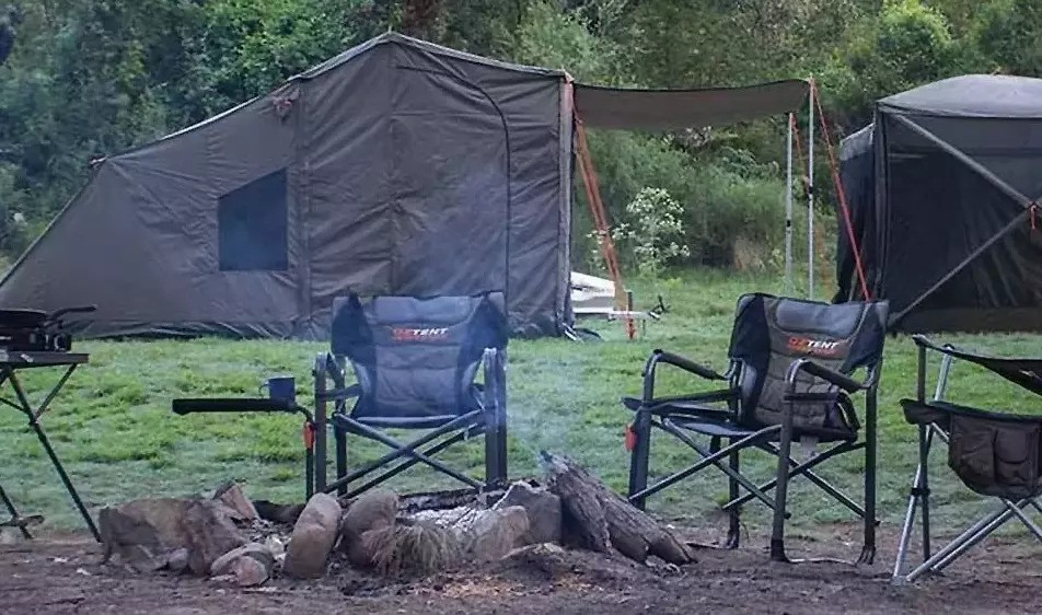 Oztent Gecko Directors Chair with Table